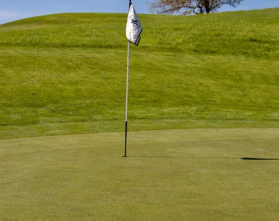 casper country club flag on course