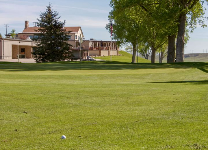 golf course grass and clubhouse