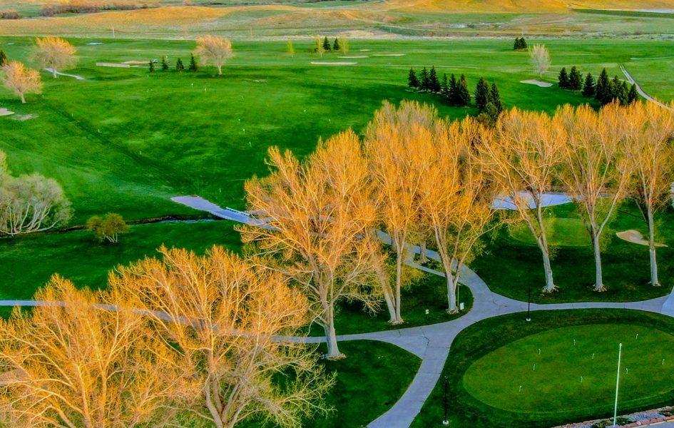 aerial view of casper country club and surrounding landscape