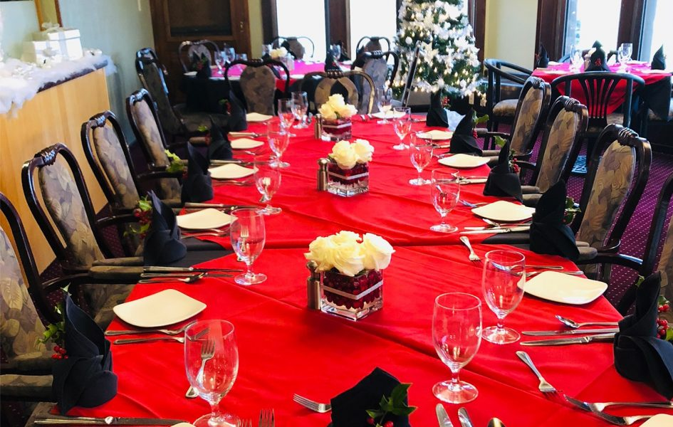 casper country club dining room set for christmas