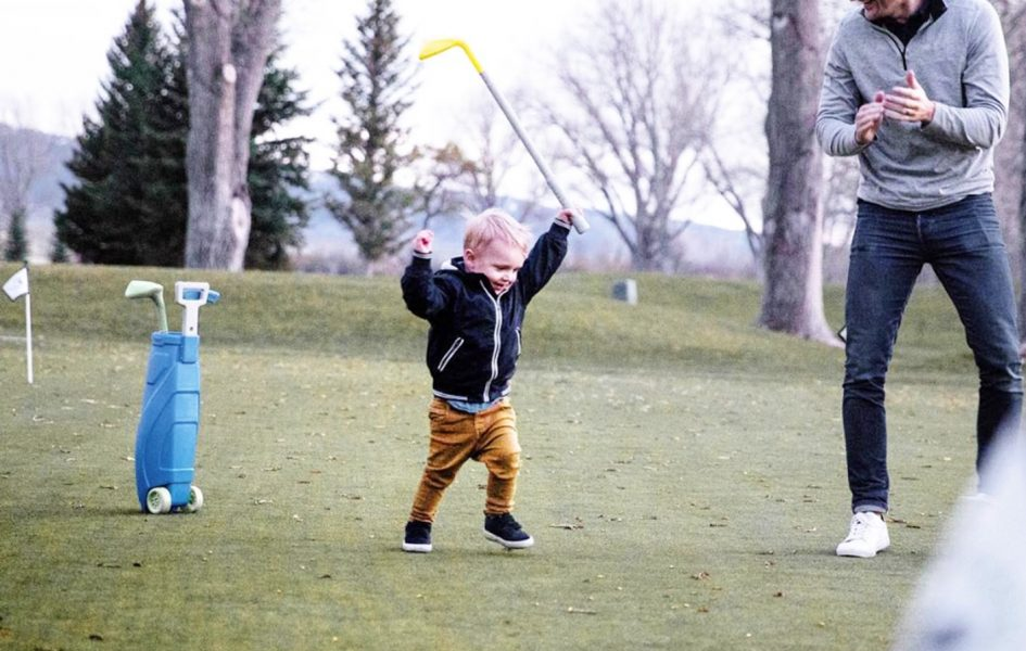toddler golfing at casper country club