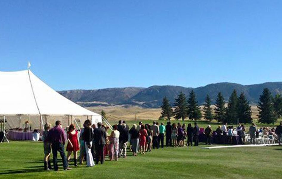 guests lining up at casper country club wedding ceremony